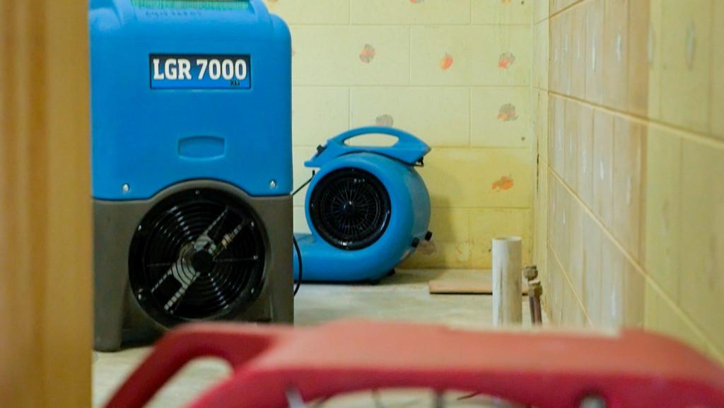 Water damage restoration cairns equipment setup